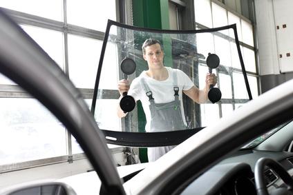 Professioneller Scheibenwechsel bei Autoglas Wicke